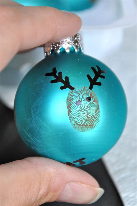 bit funky  minute crafter reindeer thumbprint