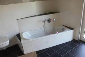 Badewanne Mit Holzverkleidung : badewanne einbauen ~ Sanjose-hotels-ca.com Haus und Dekorationen
