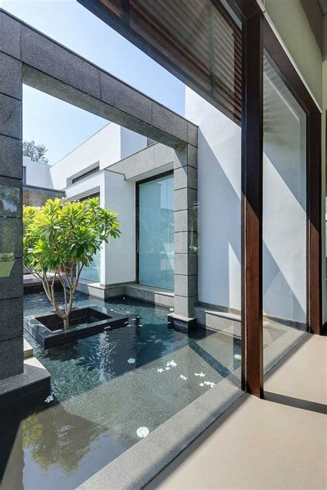 contemporary  delhi villa  amazing courtyard