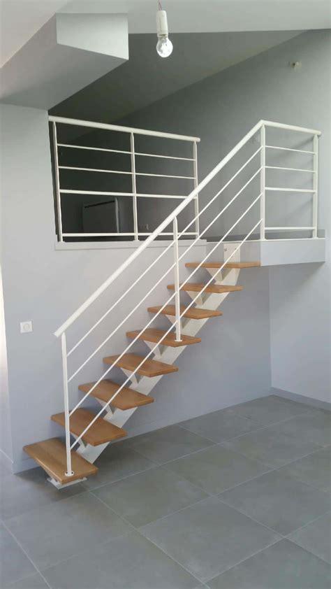 escalier limon central acier escalier limon central et garde corps acier blanc divinox