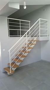 Escalier Bois Blanc : escalier limon central et garde corps acier blanc divinox ~ Melissatoandfro.com Idées de Décoration