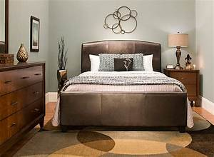 Bedroom furniture sets beds mirrors desks dressers for Raymour and flanigan bedroom furniture