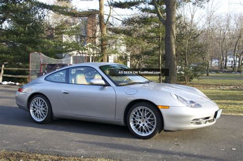 2000 Porsche 911 Carrera 4 Coupe 2 Door