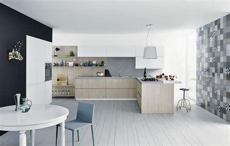 peindre meuble cuisine stratifié plan de travail et crédence des idées pour les associer
