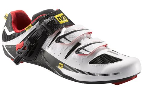 mavic avenge road shoes cycling shoes evans cycles