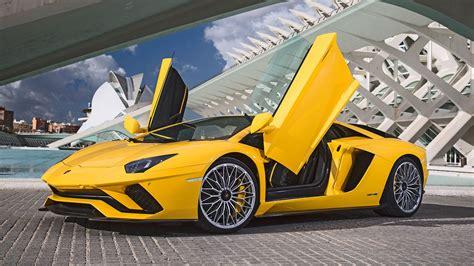 Lamborghini Car : Lamborghini Aventador S (2017) Review