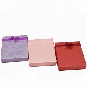 Petite Boite En Carton : wonderful boite en carton cadeau 7 la petite boite cadeau chic homeezy ~ Teatrodelosmanantiales.com Idées de Décoration