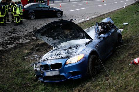 Highspeed Autobahn Crash Destroys Bmw M5 F10 Forcegtcom