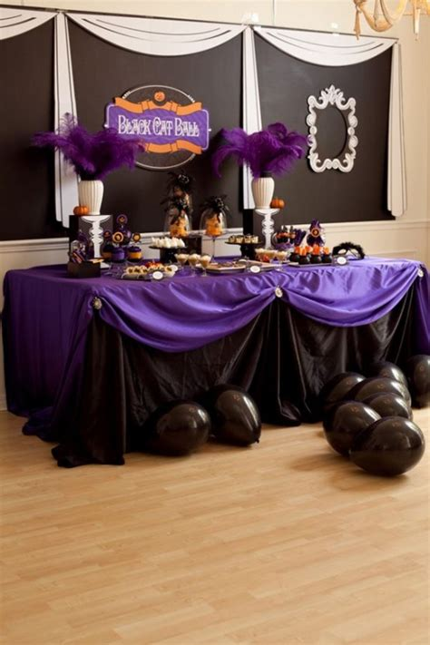 awesome purple halloween decor ideas digsdigs