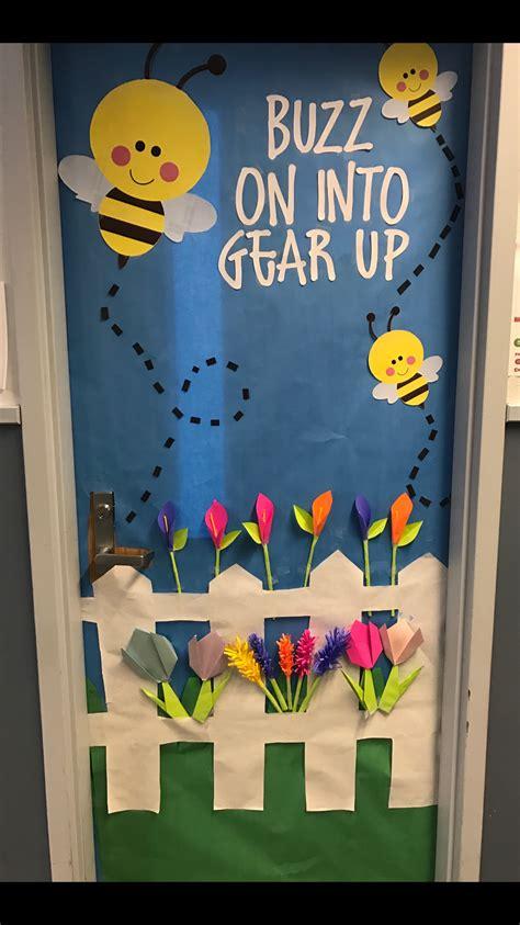 kindergarten classroom door decorations classroom door door decoration door decoration buzz