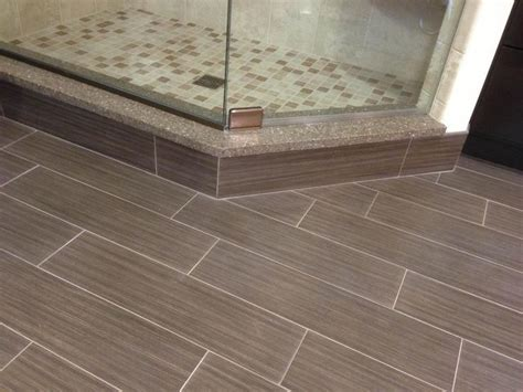 tile floor looks like hardwood tiles awesome ceramic tile that looks like hardwood porcelain bathroom floor tile tiles for
