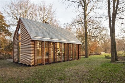 Wooden Houses :  A Series Of Residential Buildings That