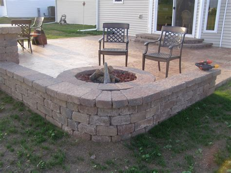 patio seating wall rockford seat wall creative concrete and landscaping