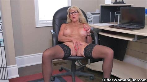 Canadian Milf Velvet Skye Creams Her Office Chair Alpha