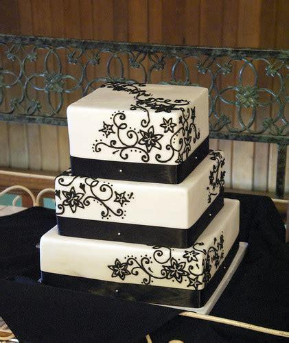 white black filigree wedding cake
