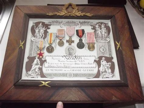 tableau de 6 medailles militaire francaises diplome d honneur ww1 5 medailles diverses