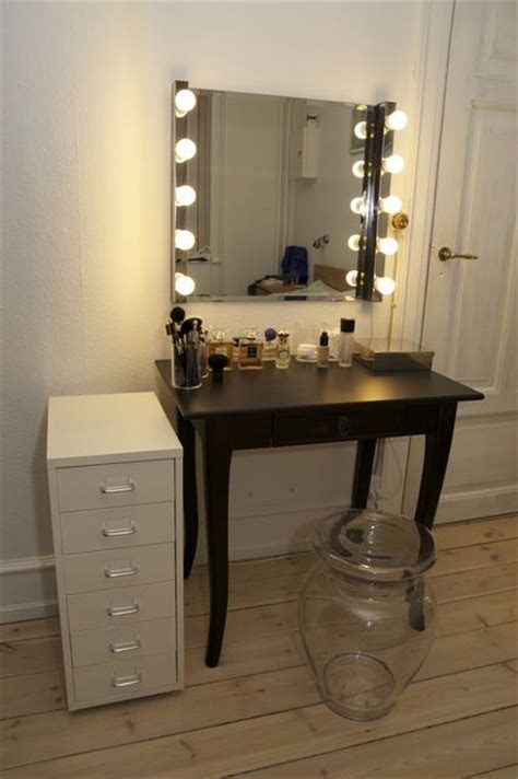 vanity table with lighted mirror ikea 25 best ideas about cheap makeup vanity on