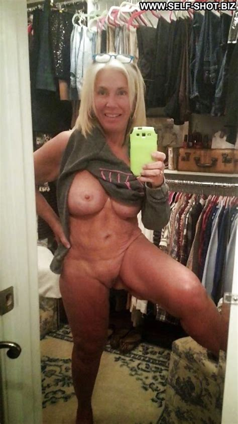 Cathi Private Pictures Self Shot Hot Mature Amateur Milf Sexy Selfie