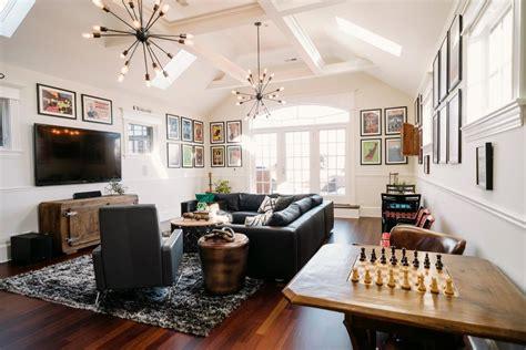 vintage mod living room  bar area  hgtv