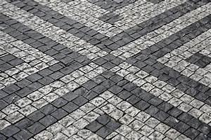 Pflastersteine Günstig 2 Wahl : pflastersteine rund aus beton klinker oder kiesel ~ Frokenaadalensverden.com Haus und Dekorationen