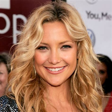 classic shoulder length wavy hairstyle hairstyles weekly
