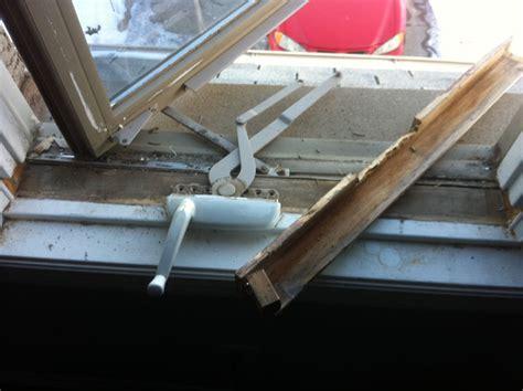 window repair save money  repairing  replacing  windows screen repair man screen