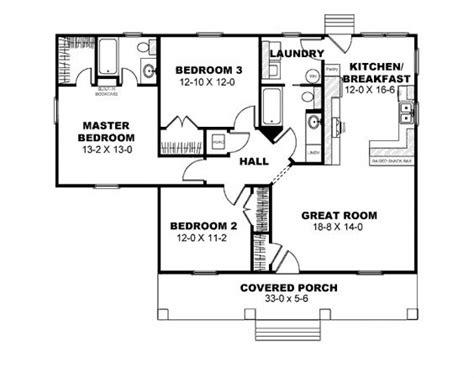 3 bed bungalow floor plans 3 bedroom bungalow floor plan homes floor plans