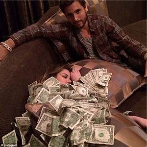 Scott Disick posts ANOTHER picture showing Khloe ...