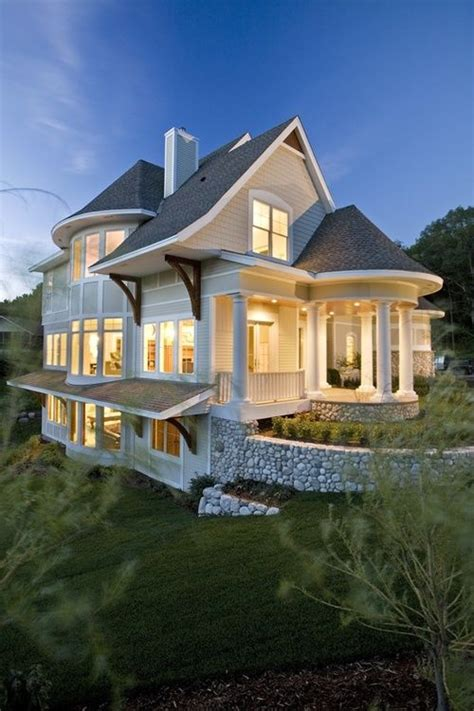 cute country home   add   wrap  porches