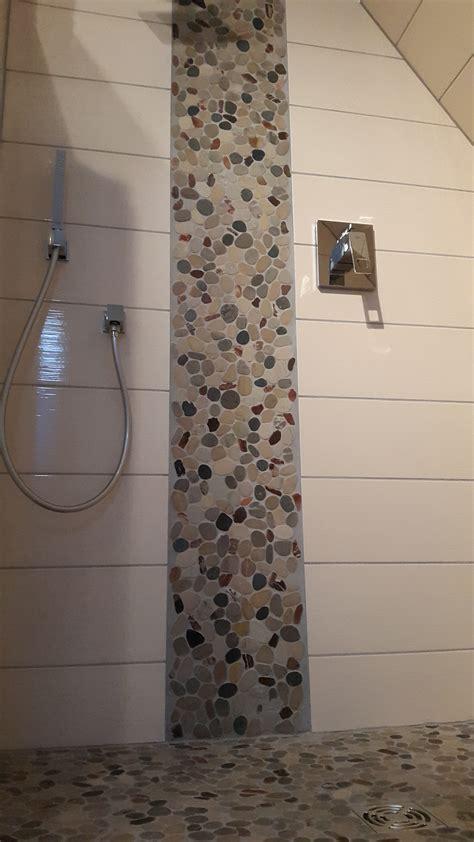 Naturstein Mosaik Dusche by Dusche Mit Bodenablauf Flusssteinmosaik Fliesenonkel