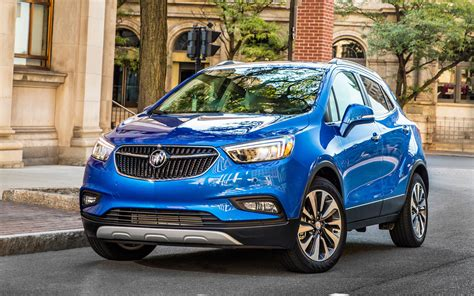 Buick Encore by Comparison Buick Encore Premium 2017 Vs Toyota Chr