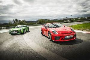 Mercedes Gtr : mercedes amg gt r vs porsche 911 gt3 twin test review 2017 by car magazine ~ Gottalentnigeria.com Avis de Voitures