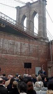 Brooklyn Home Company : theater company gets new home in iconic brooklyn bridge park warehouse cbs new york ~ Markanthonyermac.com Haus und Dekorationen