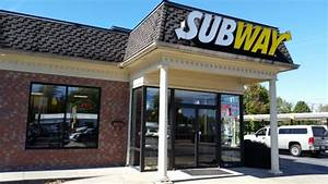 Front of restaurant from parking lot - Picture of Subway ...