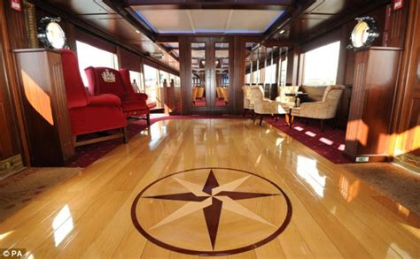 Suite Sofas by Spirit Of Chartwell Queen S Jubilee Barge Is Revamped To