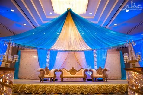 blue gold wedding decor maybe a darker royal blue as a