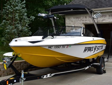 Used Ski Boats For Sale by Used Ski And Wakeboard Boat Boats For Sale In Michigan