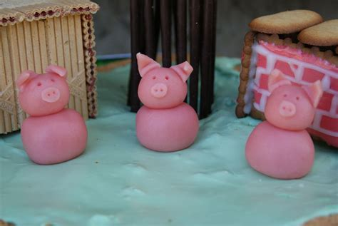 cochon en pate d amande petits cochons en p 226 te d amande pour d 233 co de g 226 teau miam