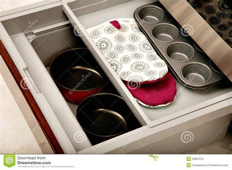 am駭agement tiroirs cuisine tiroir de cuisine avec des compartiments photo stock image 29867610