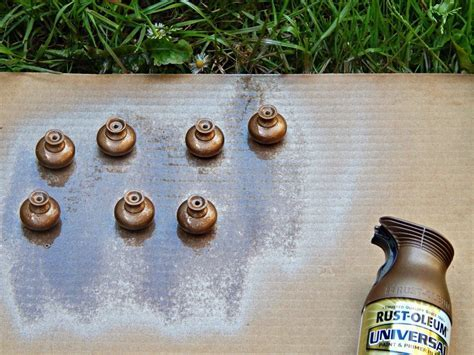 Easy Kitchen Update: How to Paint Cabinet Knobs   Melissa