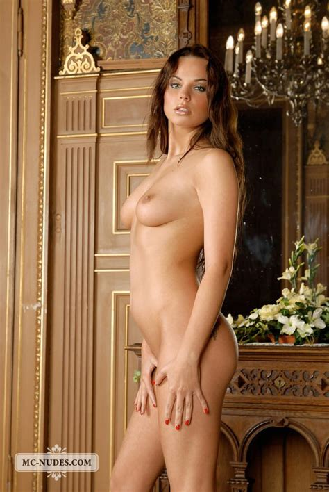 Beautiful Nina Is Showing Her Naked Body 13 Pics