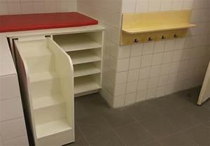 Wickeltisch Mit Treppe : handtuchhalter f r das bad eines kindergarten tischlerei h g ~ Orissabook.com Haus und Dekorationen