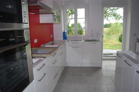 carrelage gris cuisine cuisine blanche et carrelage gris