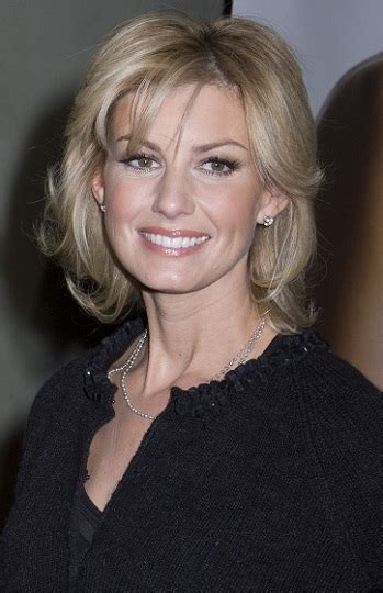 hairstyles faith hill medium layered hairstyle