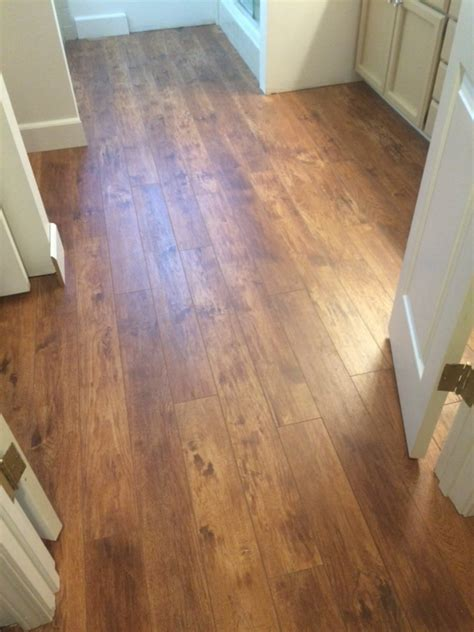 Armstrong Laminate Bathroom Flooring by Armstrong Treeline Hickory Pryzm Pc006 Pretty