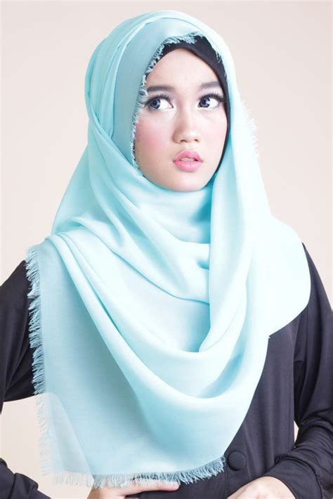 ketahui kombinasi warna bibir  hijab  pas