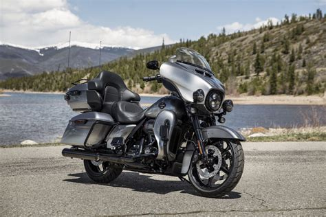 Harley Davidson Cvo Limited Hd Photo by 2019 Harley Davidson Cvo Model Updates Glide