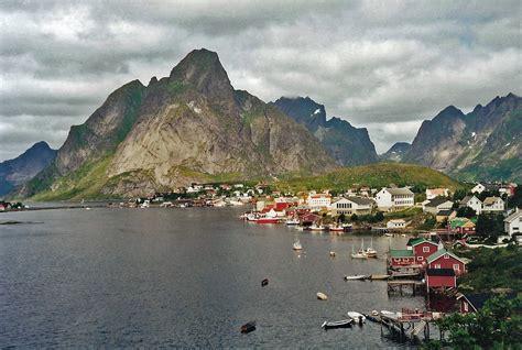 Hárstták) is a town in harstad municipality in troms og finnmark county, norway. Tjellsida - Harstad, Norway - Tripcarta