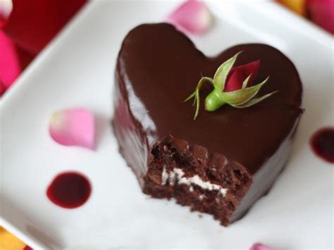 heart shaped chocolate raspberry cakes recipes cooking
