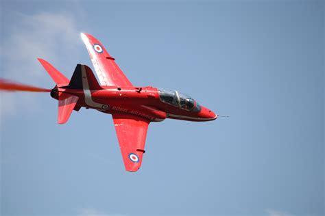 File:BAE Hawk T1 (Red Arrows) in Russia.jpg - Wikimedia